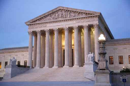Supreme Court to rule on Trump bid to end 'dreamers' program