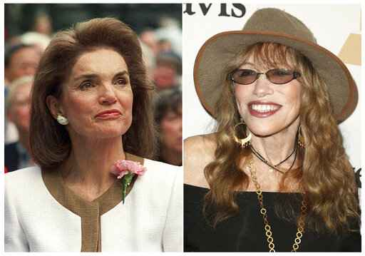 Carly Simon writing memoir about Jacqueline Kennedy Onassis.