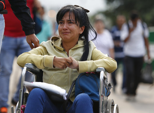 Sick Venezuelans flee to Colombia in mounting refugee crisis
