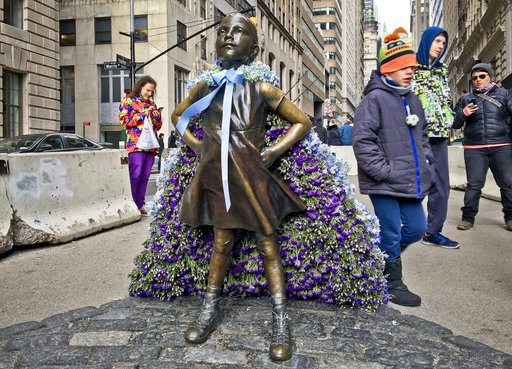 NYC's 'Fearless Girl' staying put for now, future uncertain