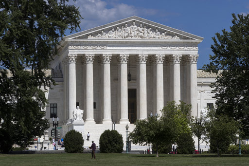 Supreme Court weighs case on detention of immigrants