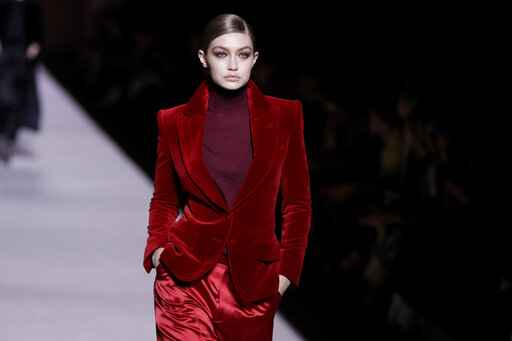 Big hats and simple elegance for Tom Ford at NY Fashion Week