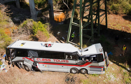 Ropes, phone lights used in rescue after deadly bus plunge