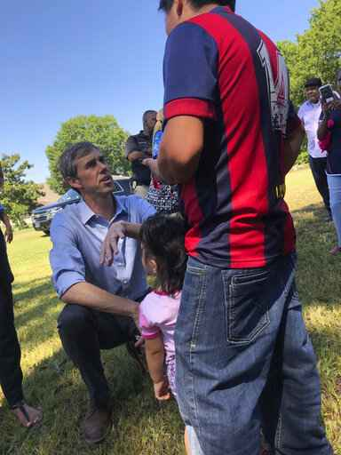 O'Rourke visits town targeted by 'terrifying' ICE raids
