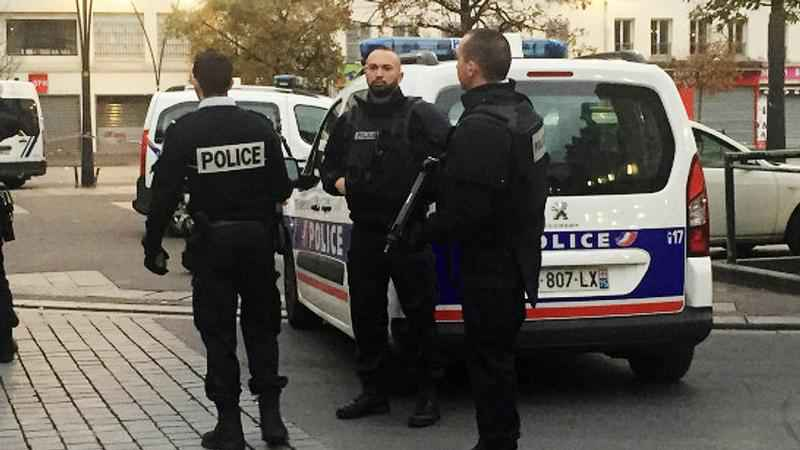 Incident in Popular Paris Shopping Area, Attacker Likely Dead
