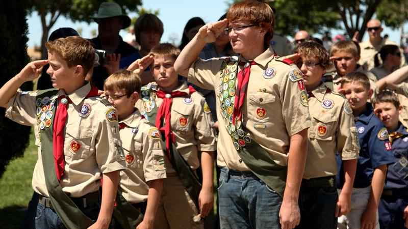 Boy Scouts to Let Girls into Some Programs
