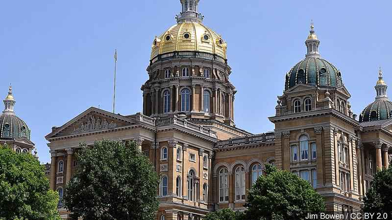 OR legislature passes bill strengthening state's gun laws