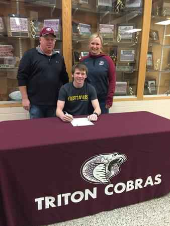 Triton senior Brady Essig (football) signs with Gustavus Adolphus College
