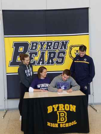 Byron senior Sean LaPlante (football) signs with Winona State University