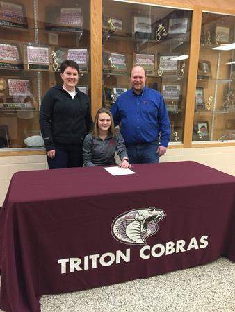 Triton's Courtney West (Cross Country, Indoor Track) signs with the University of Minnesota