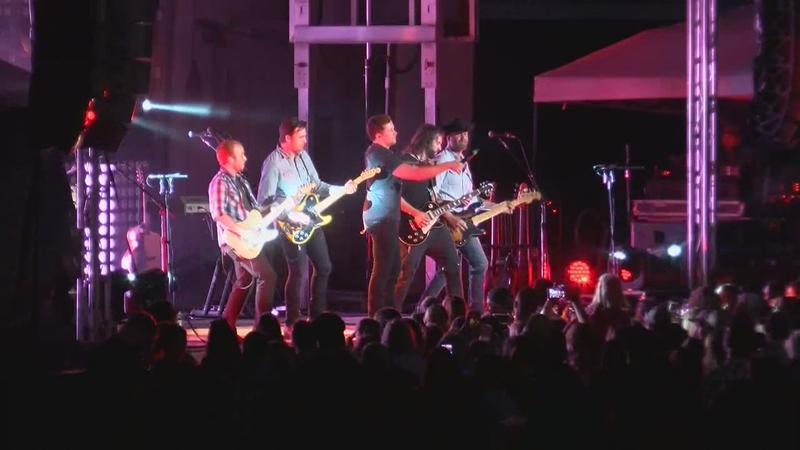 Scotty McCreery Performs in Rochester