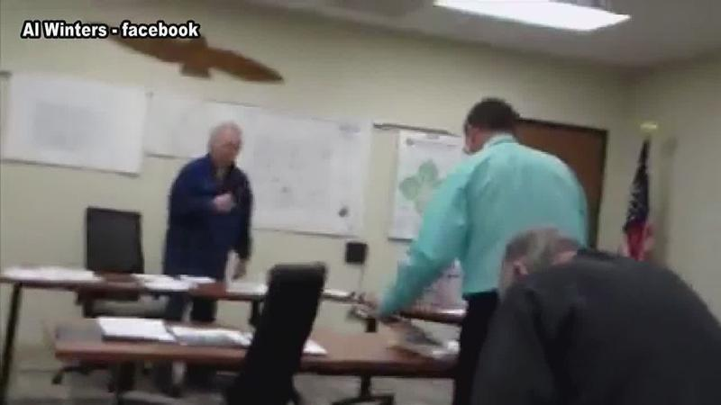 Dispute Over Pledge of Allegiance at Mitchell County Board Meeting