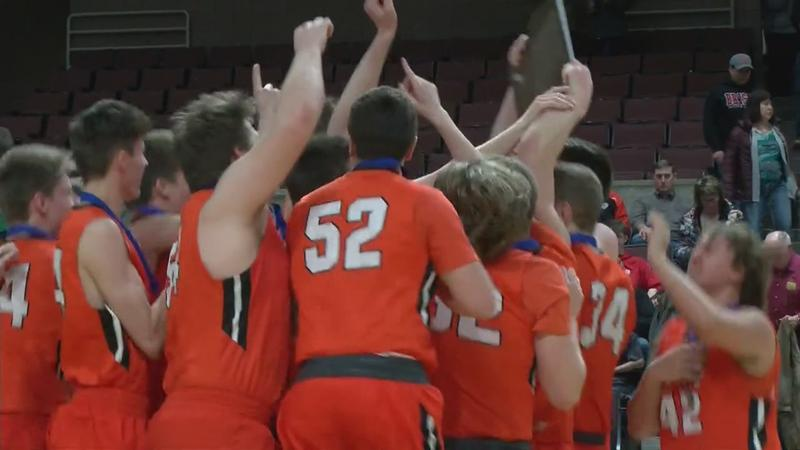 Big Second-Half Sends Lake City to State Tournament