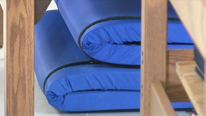 Bitter cold temperatures drive warming center to extended hours