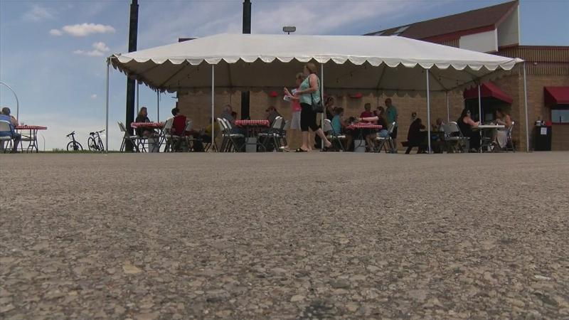 """Outdoor dining brings """"sense of normalcy"""" to Rochester restaurants"""