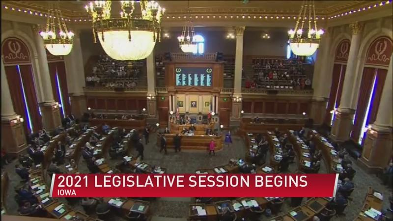 Iowa lawmakers convene for legislative session without requirement of masks