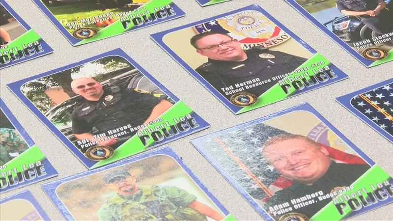 how to give wayne trading cards