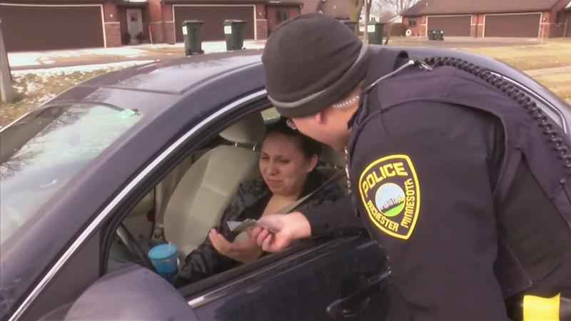 Rochester Police Spreading Cheer Through Traffic Stops