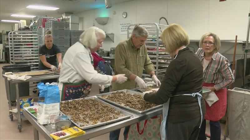 Volunteers Make Holiday Cookies for Mayo Hospice Patients