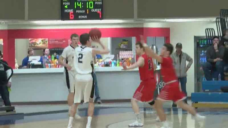 Tuesday's Boys Basketball Playoff Scores & Highlights