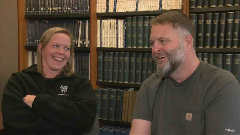 Wife Donates the 'Gift of Life' Ahead of 20th Wedding Anniversary