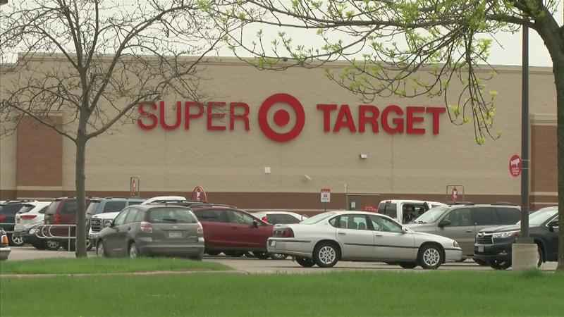 RPD: More Than 40 iPhones Stolen from Target North; Searching for 2 Suspects