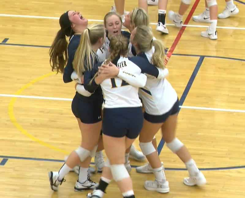 RCTC Wins Tight Match, Moves on to National Volleyball Semifinals