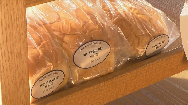 Local Bakery Donates Food to Federal Employees