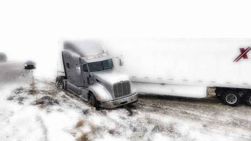 Snow Causes Crash that Partially Closes I-35 in Iowa