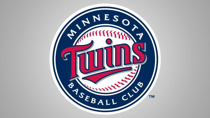 Twins set 1st-half homer record, rout Rangers 15-6
