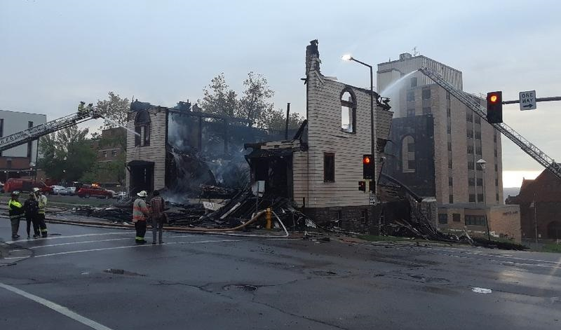 Blaze destroys synagogue in Duluth; cause unknown