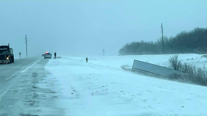 Sheriff: No travel advised in Dodge County; plows pulled off roads