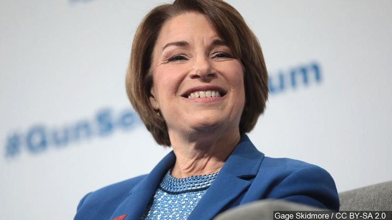 New poll ahead of the Iowa Caucus puts Sen. Klobuchar in third place