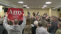 Klobuchar makes campaign stop in Mason City, IA