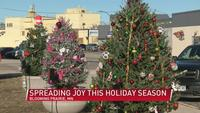 Blooming Prairie police officer spreads holiday joy